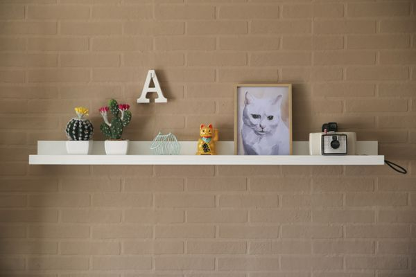 Rack with home decor