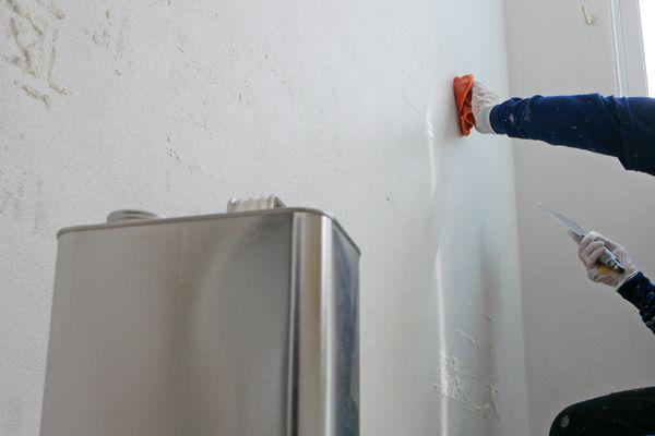 Painter using paint thinner