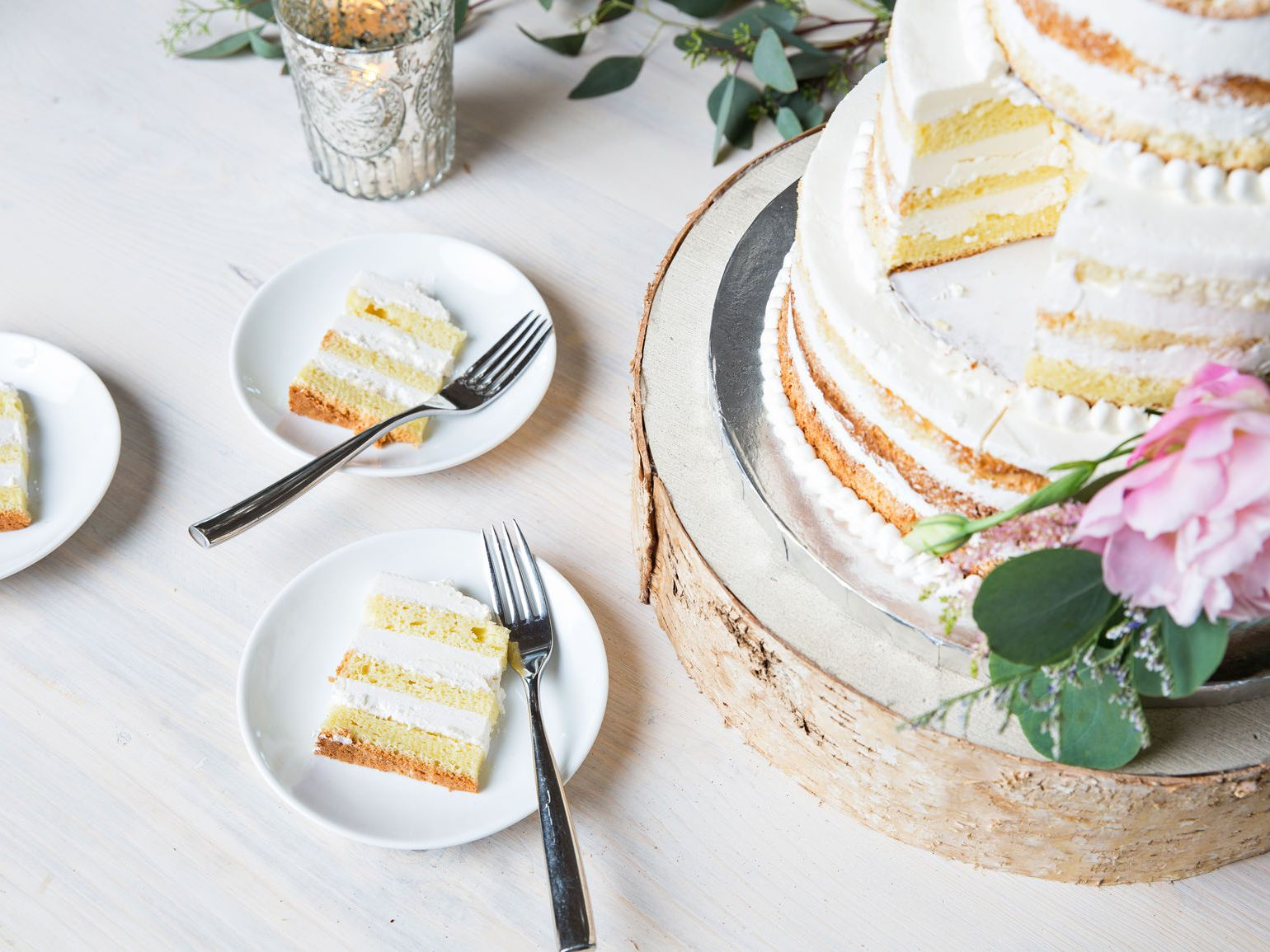 9 Best Tips To Save Money On Your Wedding Cake