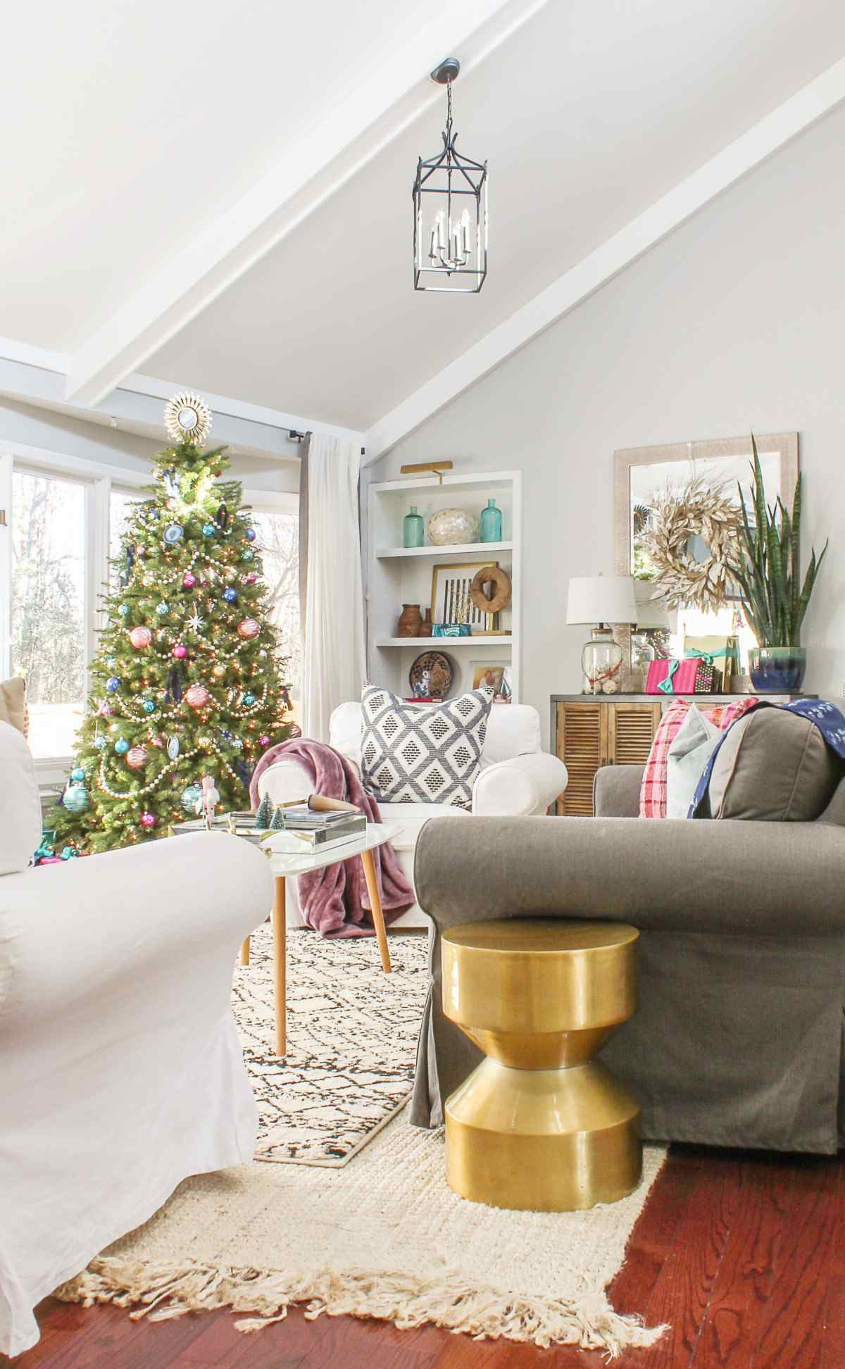 21 beautiful ways to decorate the living room for christmas - How To Decorate House For Christmas
