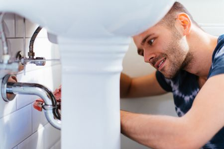 How to Save on Plumbing Remodel Costs