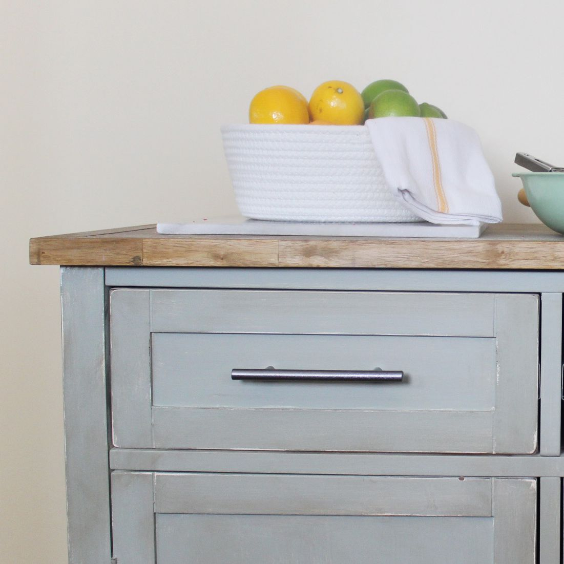 how to antique wood using paint to make it look old