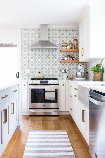 Cambio de imagen de la cocina de Cassandra Lavalle, a través de The Everygirl