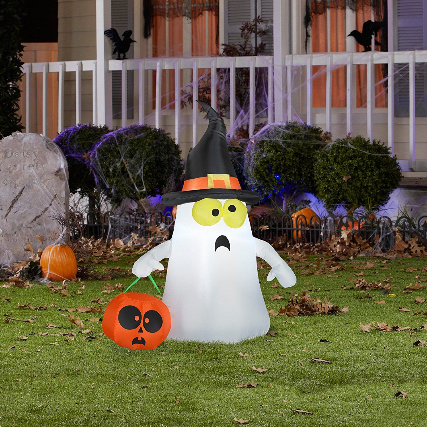 The 13 Best Outdoor Halloween Decorations Of 2019