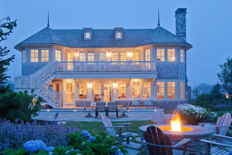 casa de dos pisos en Rhode Island