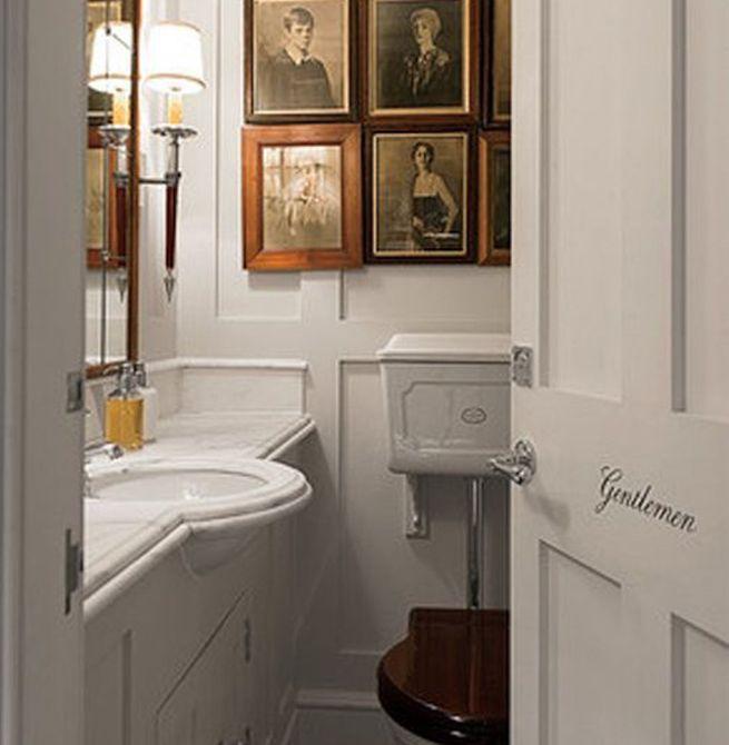 Baño pequeño con arte  , Baño blanco