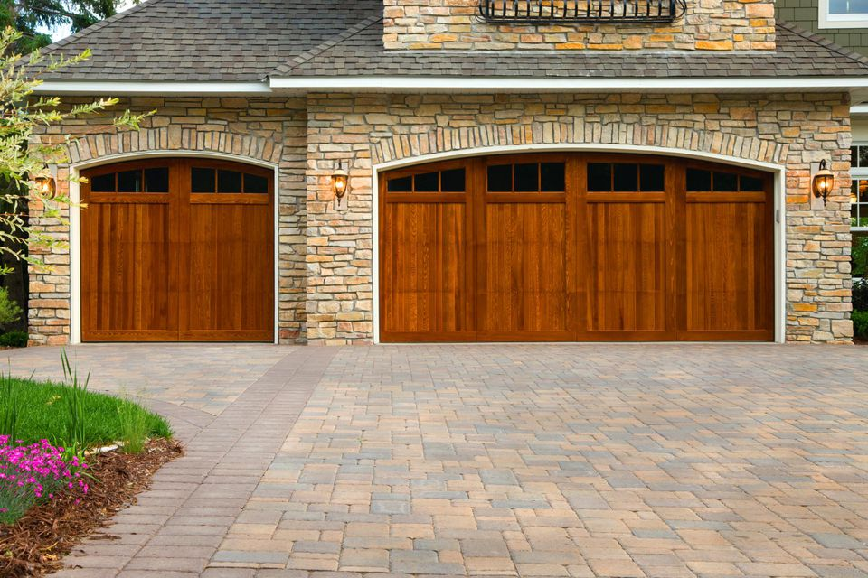 Pros and cons of a concrete driveway pavers pros and cons of a concrete paver driveway solutioingenieria Choice Image