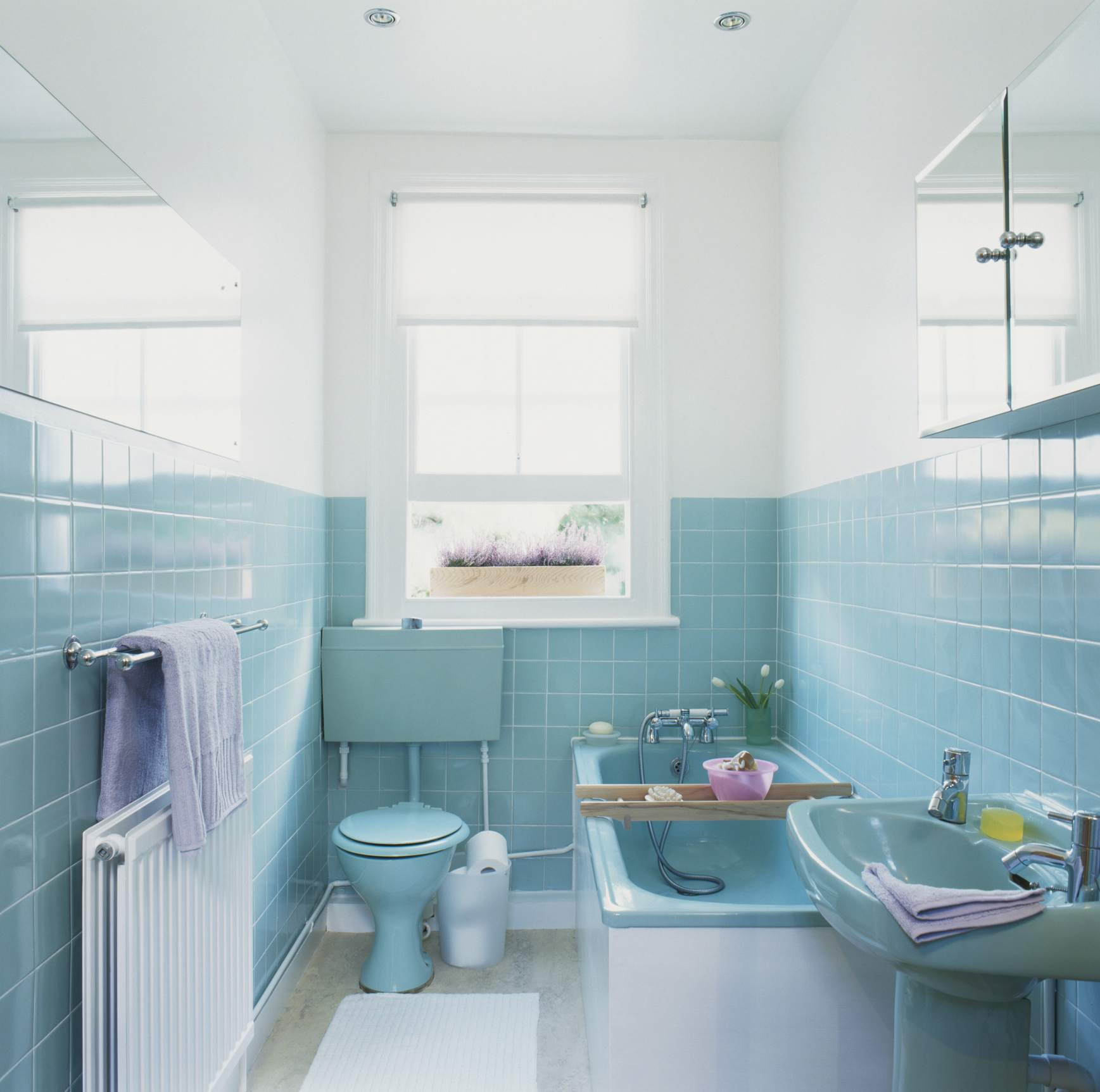 10 Expert Tips For Keeping A Bathroom Toasty Warm