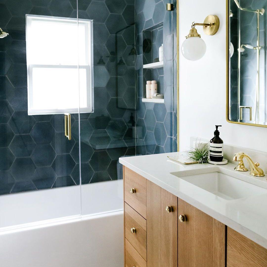 10 Beautiful Bathroom Tile Design Ideas