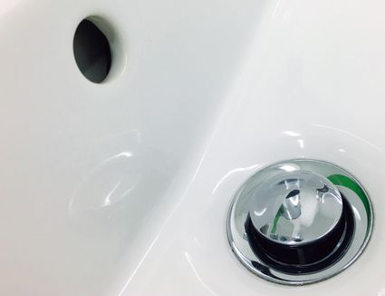 How To Unclog A Bathtub Drain With A Plunger