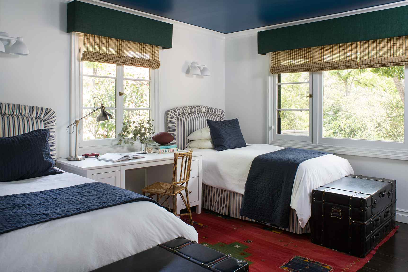 Navy blue ceiling in boys rooms