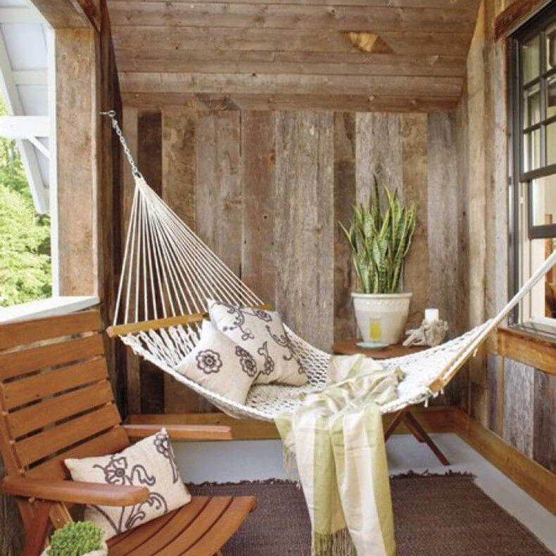 Screened in porch with a hammock
