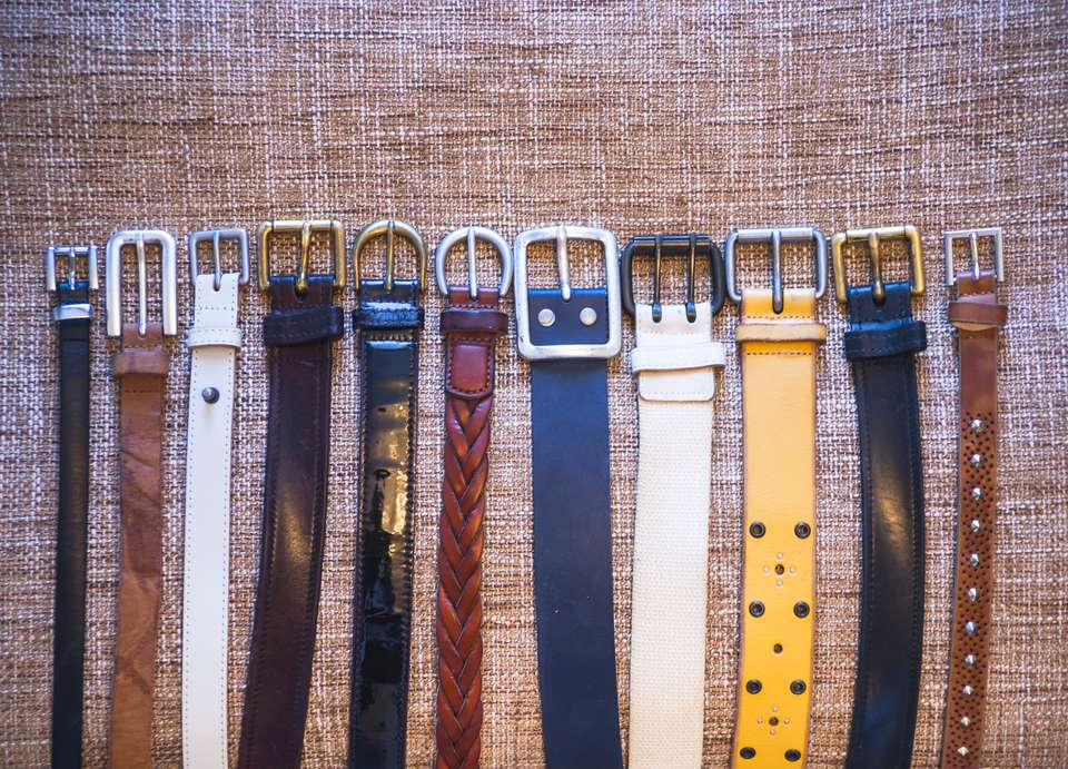 Storing belts