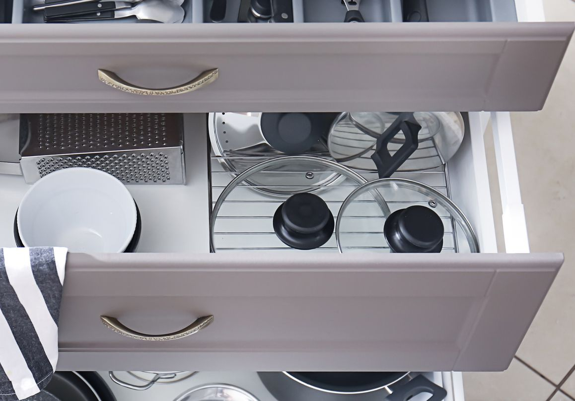 pot lids in a drawer