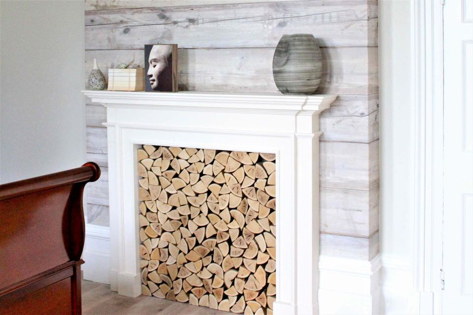15 diy reclaimed wood and pallet fireplace surrounds white washed wood fireplace solutioingenieria Image collections