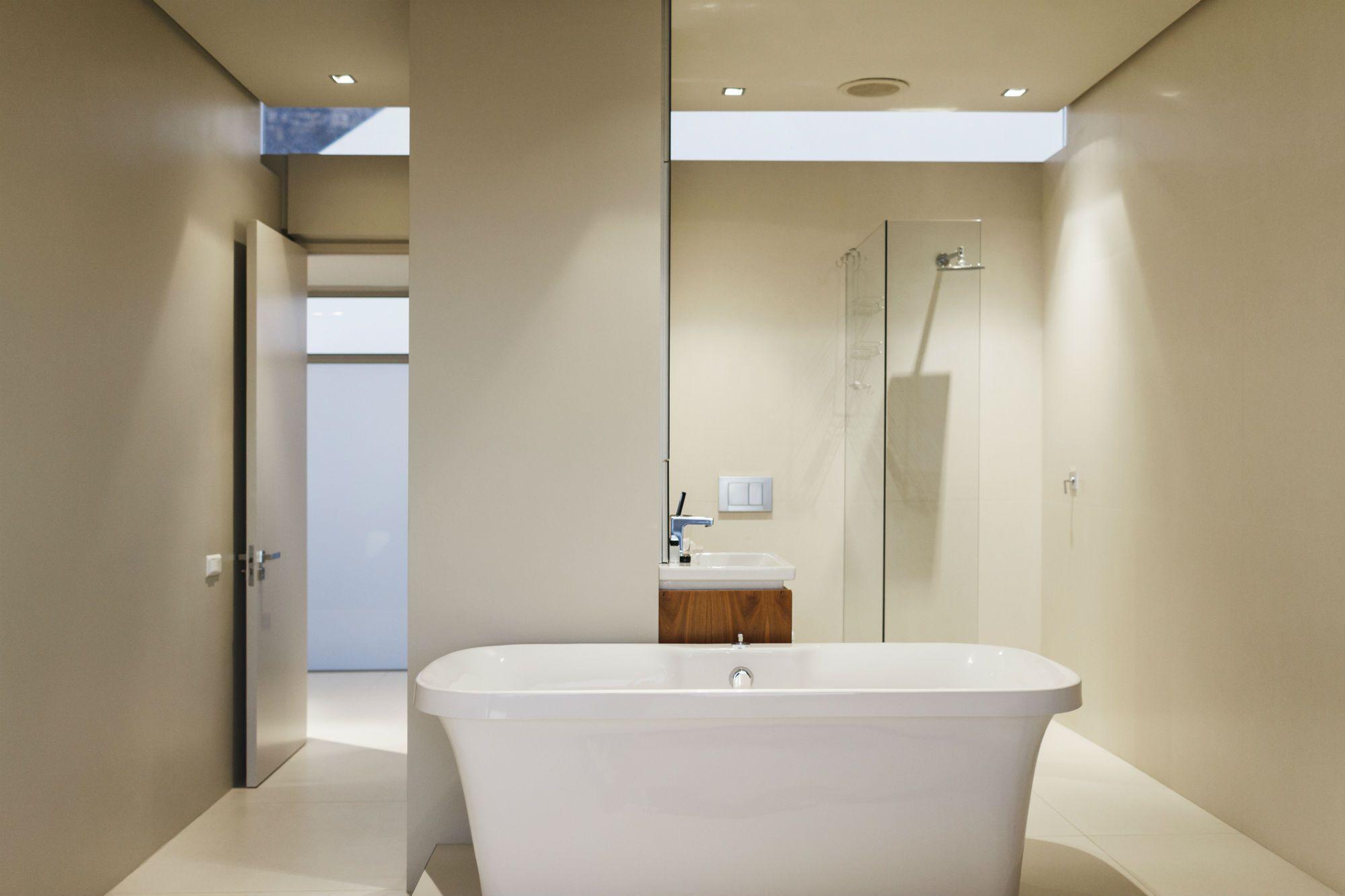 Create Good Feng Shui in Your Bathroom