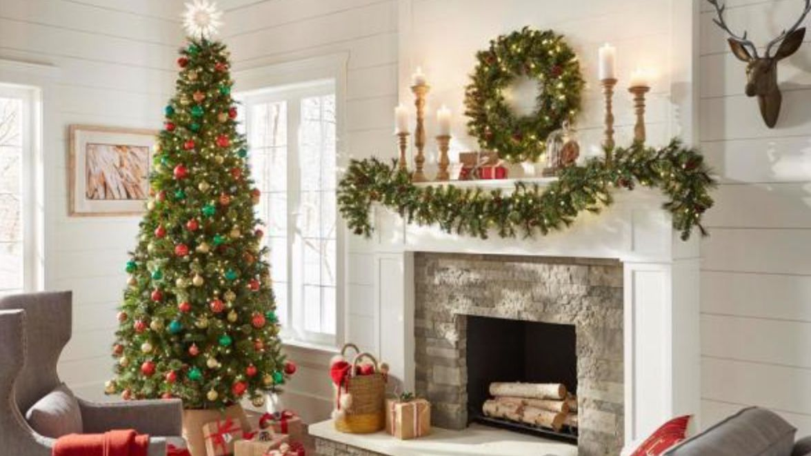 The 8 Best Christmas Garlands Of 2020