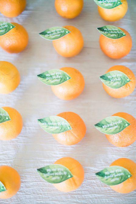 Tarjetas de acompañante naranja
