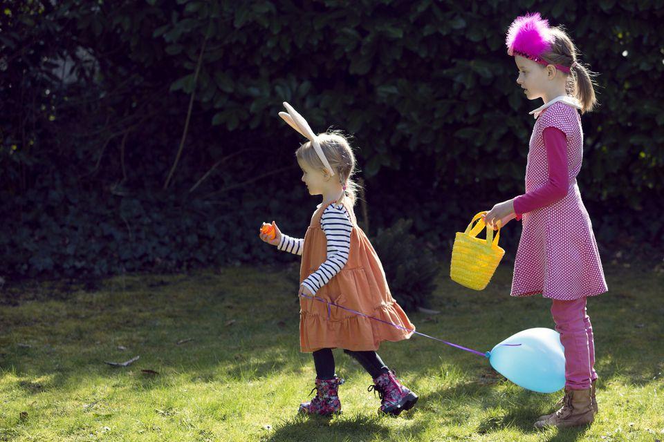 Great easter egg games for kids two children on easter egg hunt solutioingenieria Gallery