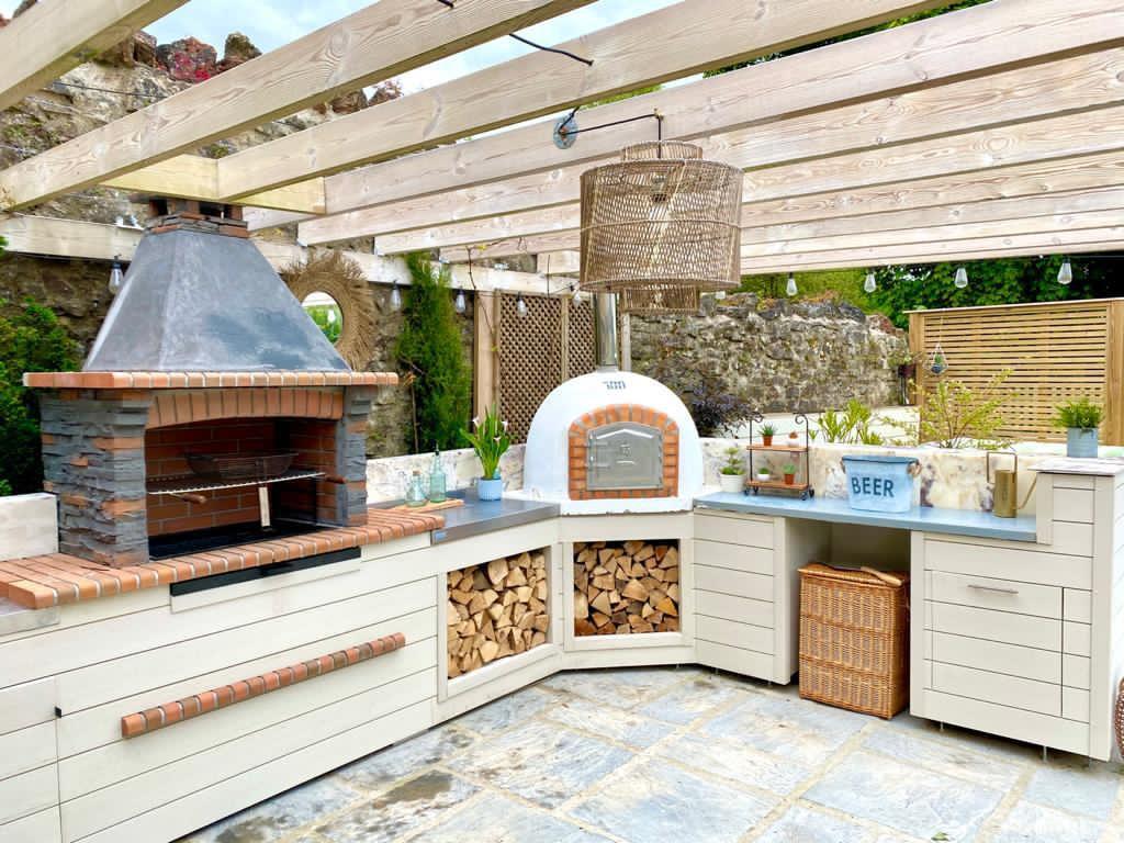 Instagram's 13 Best Outdoor Kitchens For Your Wish List