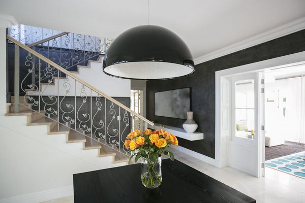 Decorating Your Foyer on a Budget