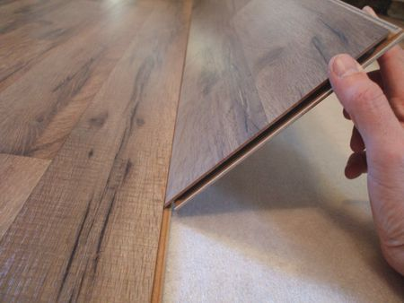 Lay Laminate Floor - How Locking Mechanism Works