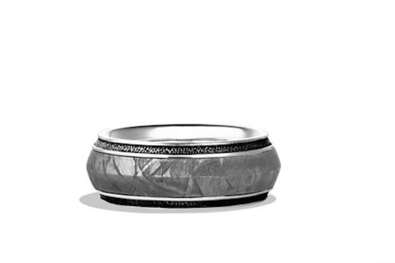 Banda de plata para hombres David Yurman con incrustación de meteorito