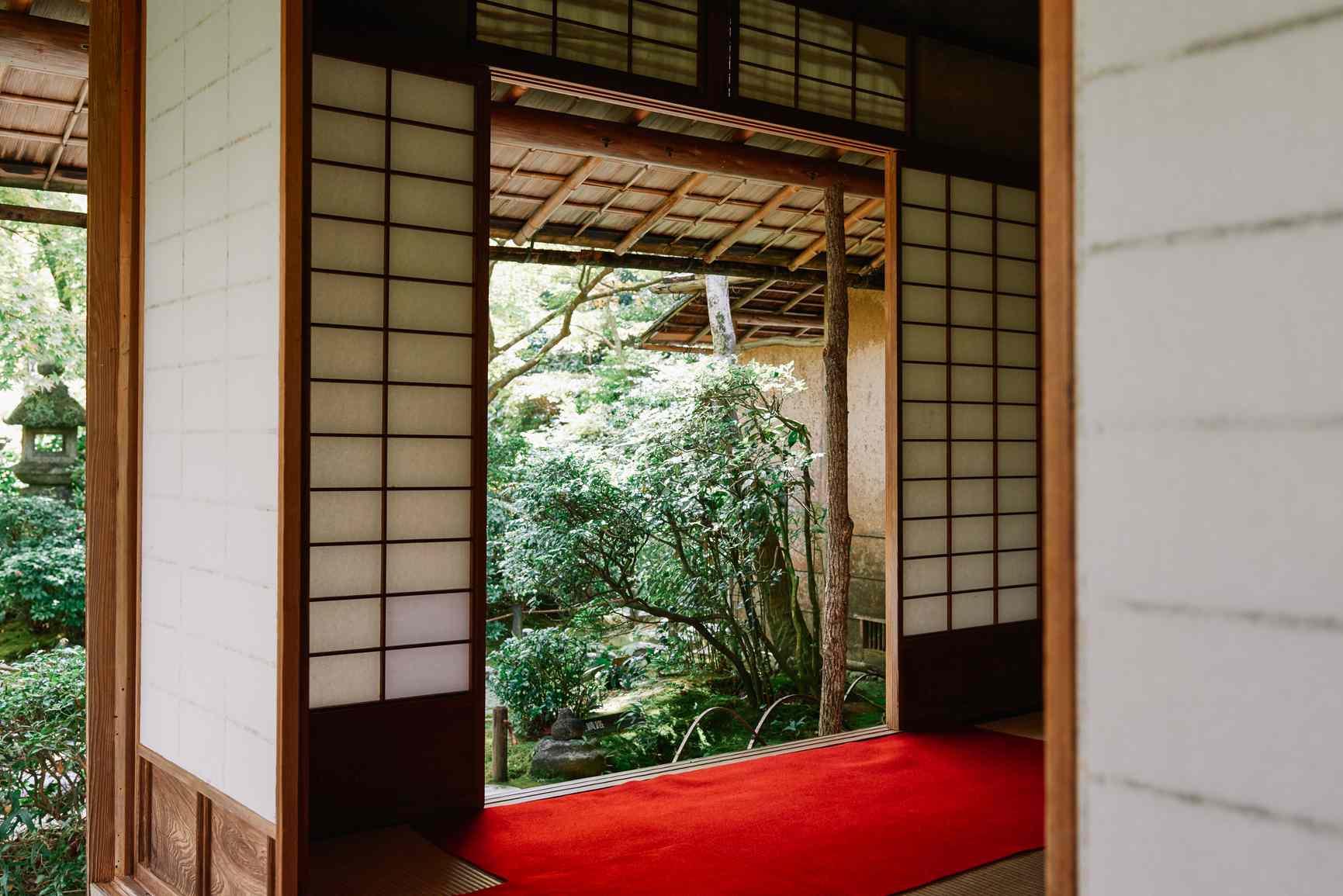 Japanese architecture windows