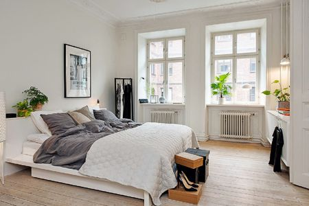 Scandi Bedroom With Plants