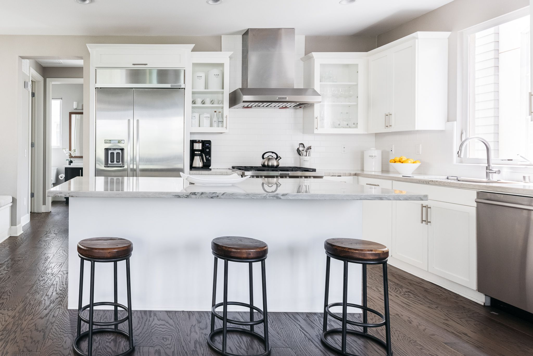 Modern kitchen cabinet ideas for a contemporary aesthetic - Livingetc