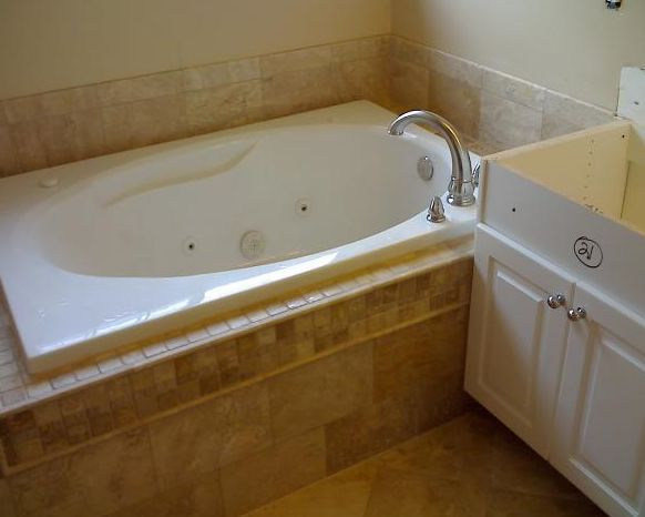 10 Ideas For Bathtub Surrounds