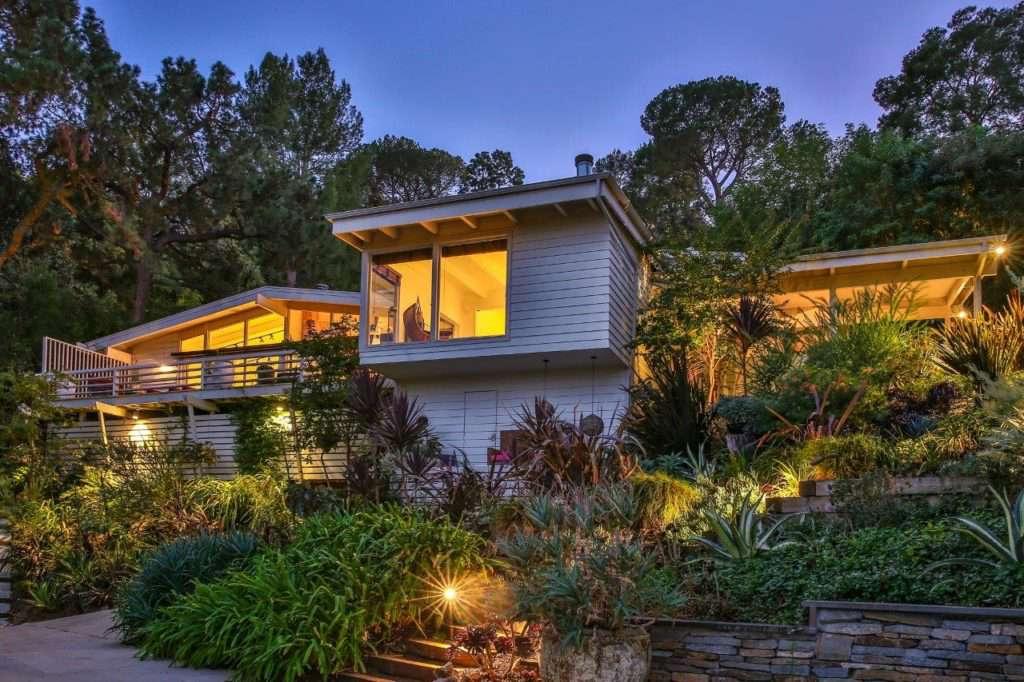 Casa de vacaciones moderna con terraza