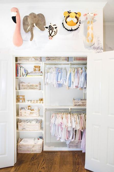 Organize baby clothes with the perfect closet space
