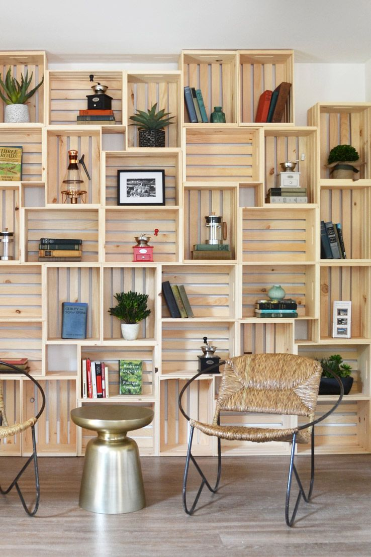 25 ways to decorate with wooden crates - Using Crates As Bookshelves