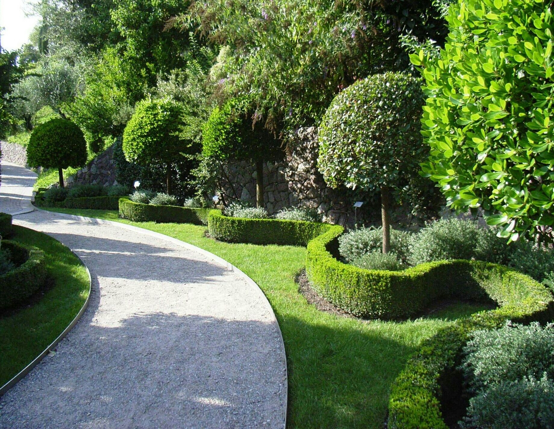 Do It Yourself Home Design: 10 Do-It-Yourself Landscaping Tips