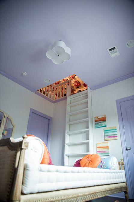 Habitación para niñas con escondite secreto en el ático
