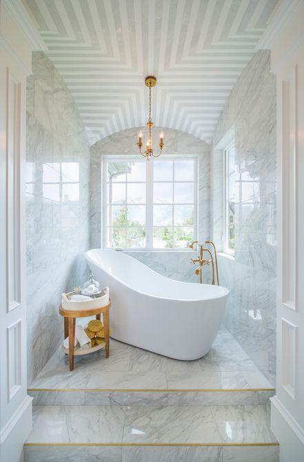 blanco baño de mármol