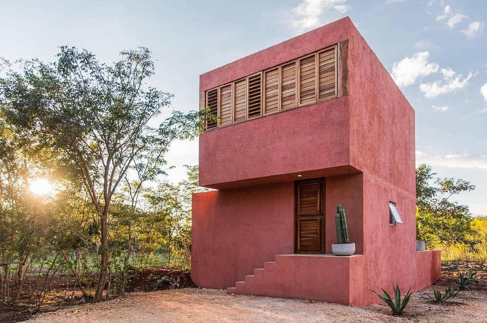 Casa de estuco rosa