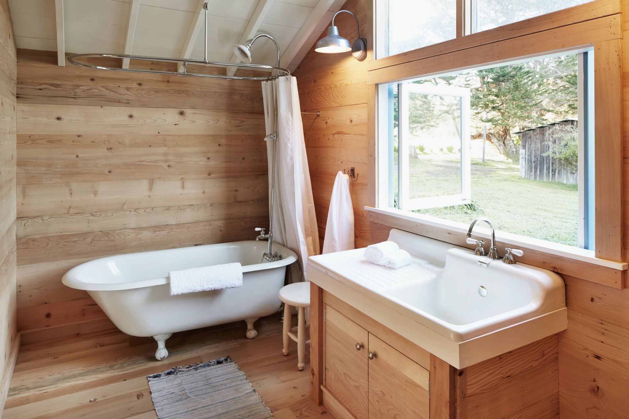 10 Bathrooms Nailing The Natural Wood Trend