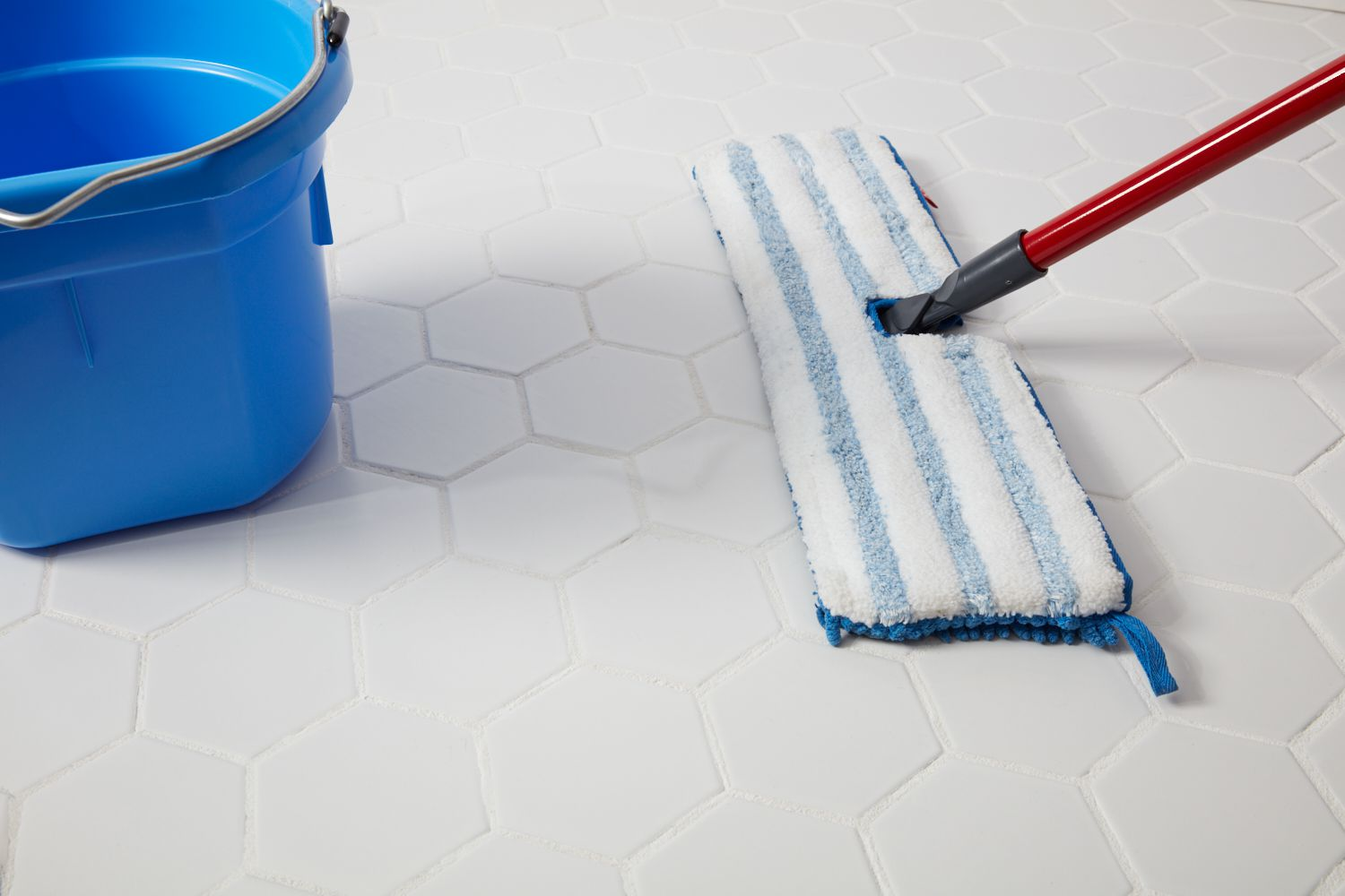 How to Clean Porcelain Floor Tiles