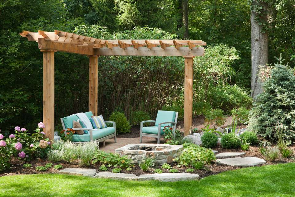 Outdoor living space with portcullis.