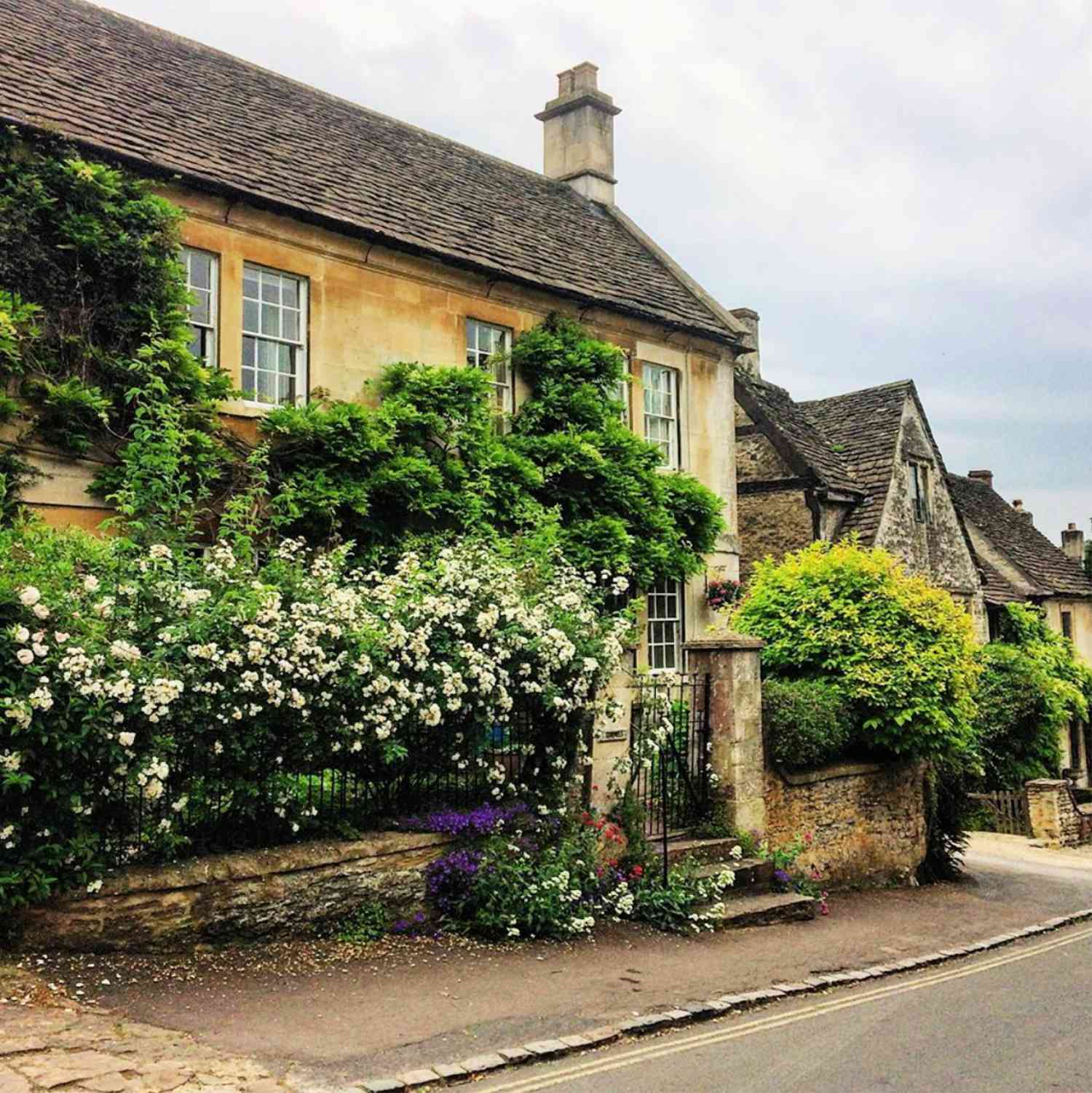charming castle combe english cottage