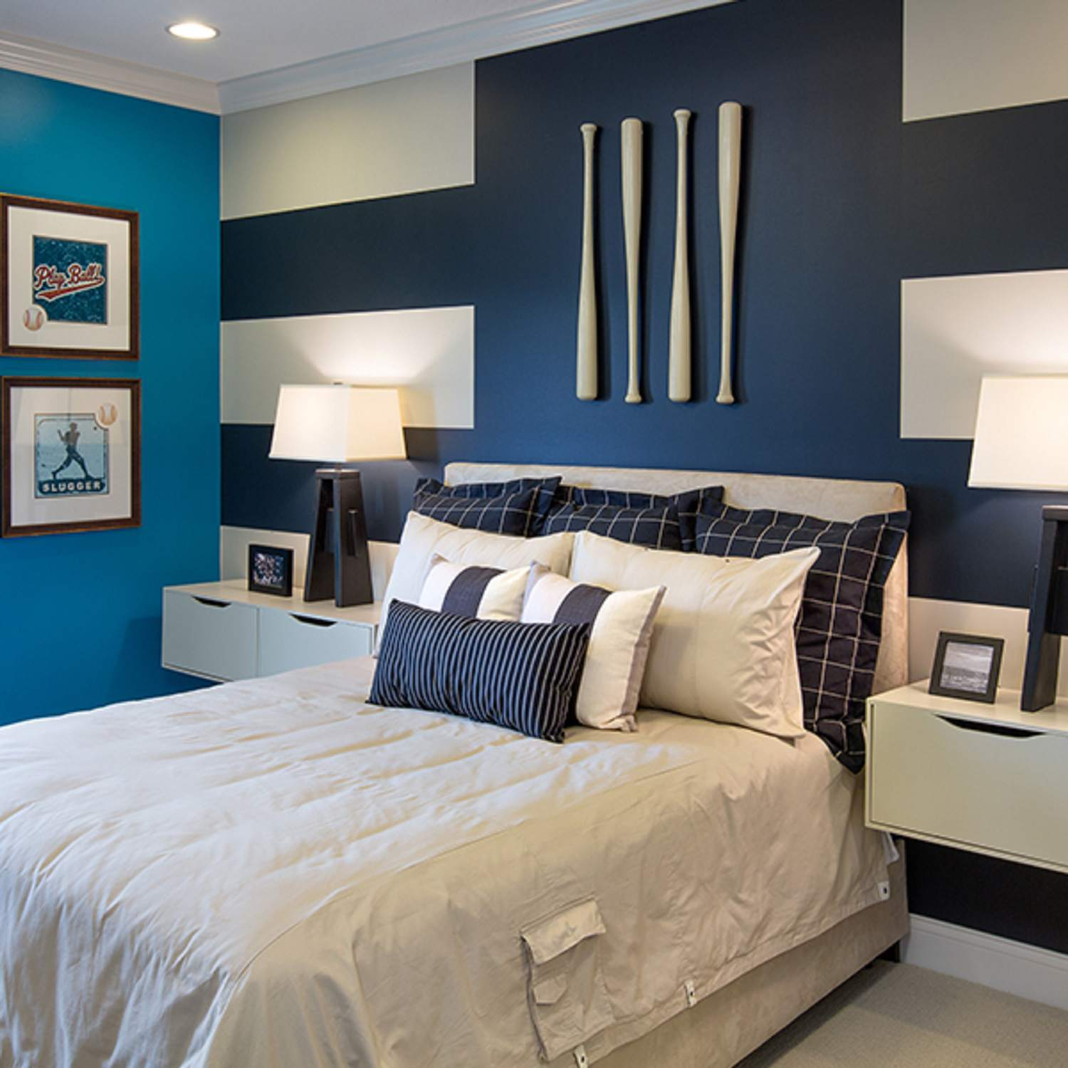24 Ways To Decorate Bedroom Walls With Stripes