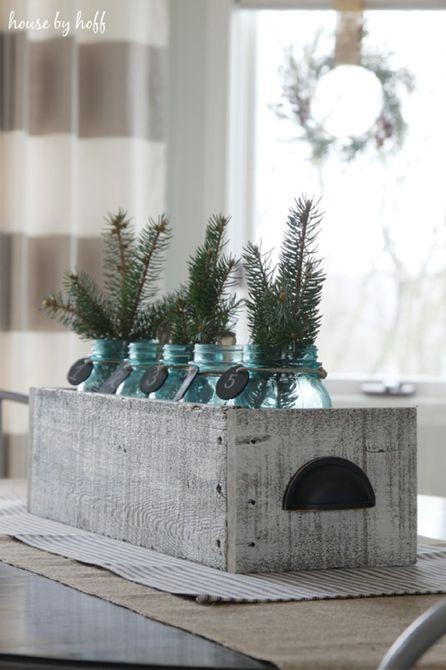 Caja de paletas de madera de bricolaje con decoración de invierno