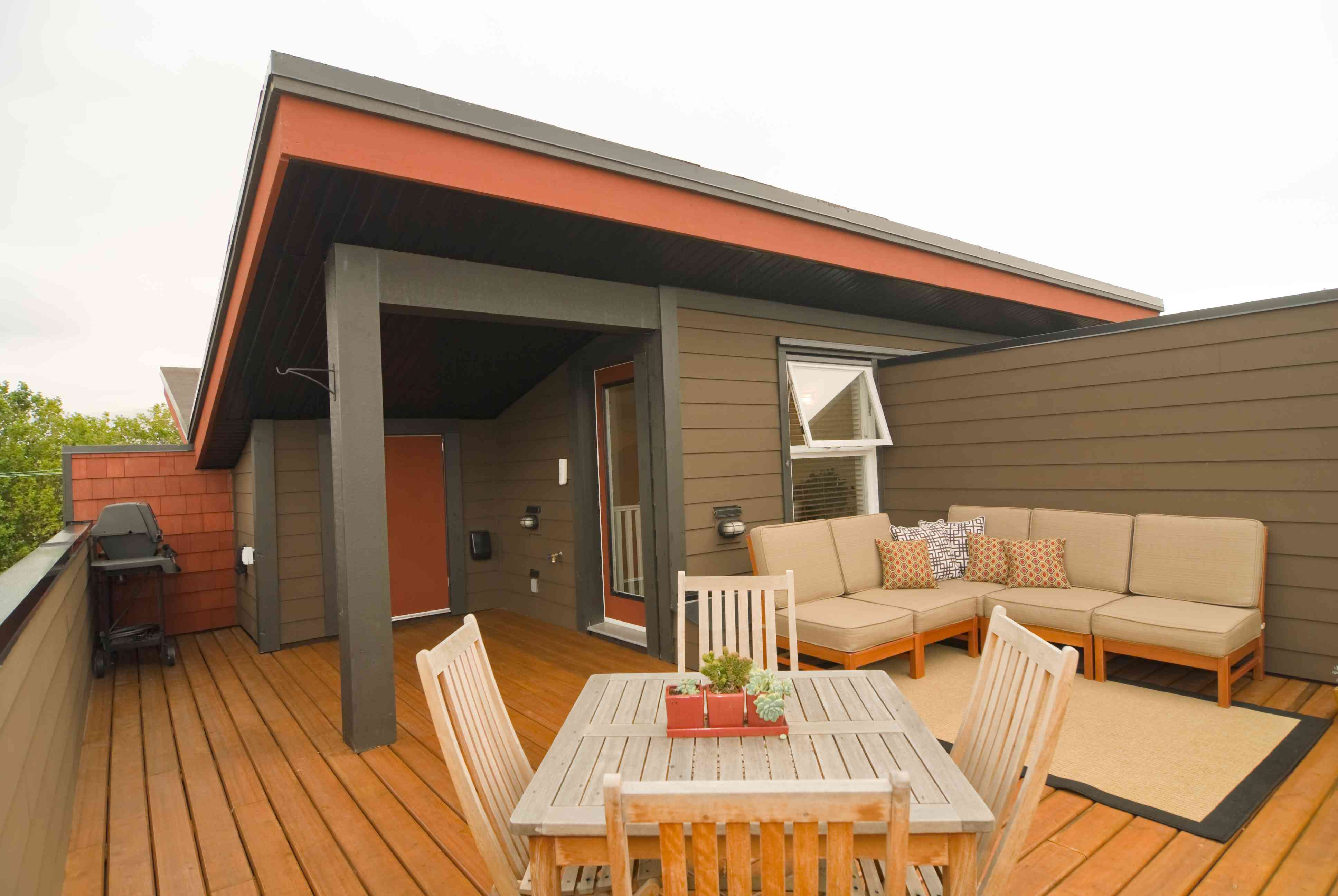 Designer Apartment Rooftop Deck