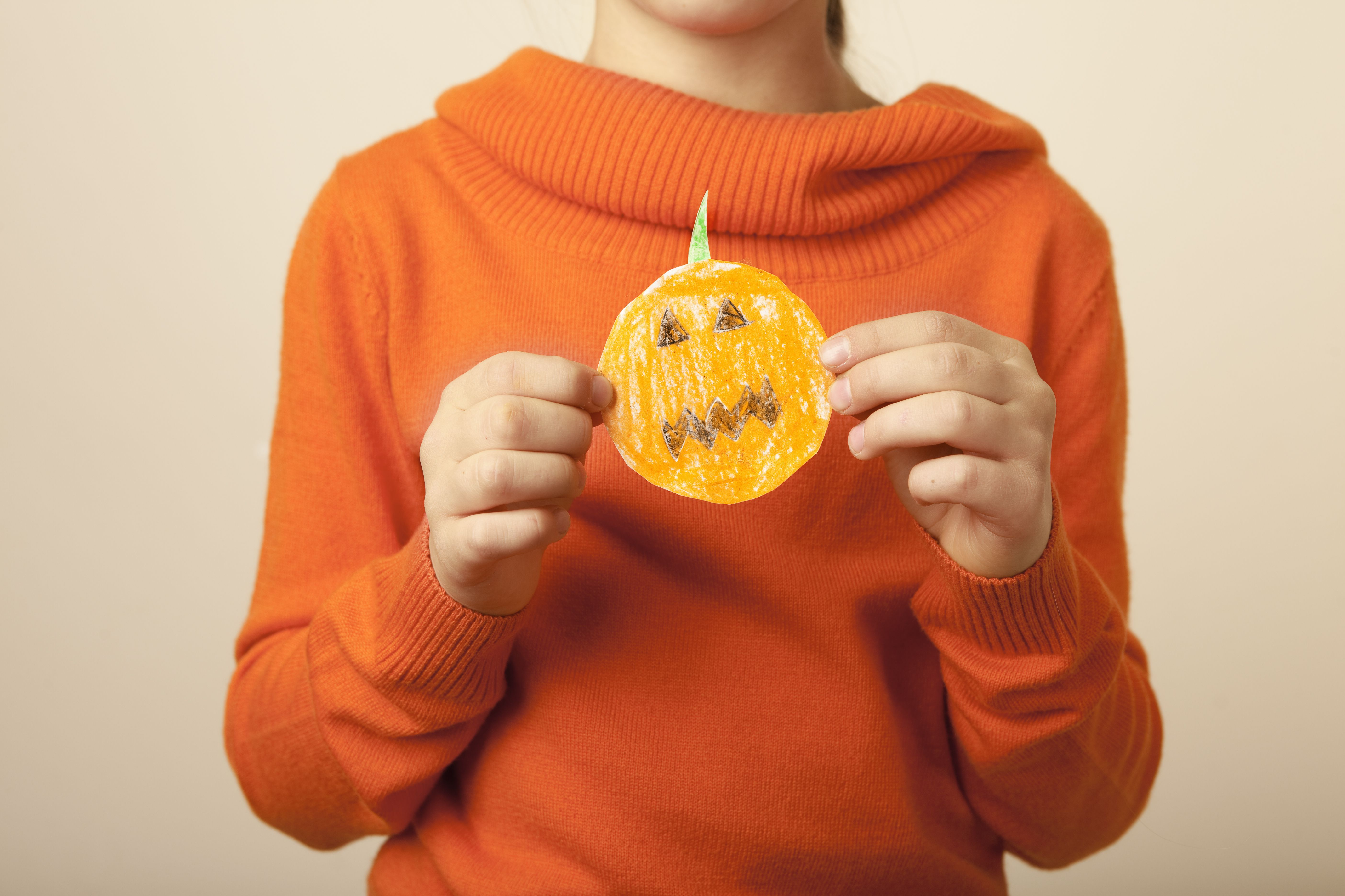 Paper halloween pumpkin