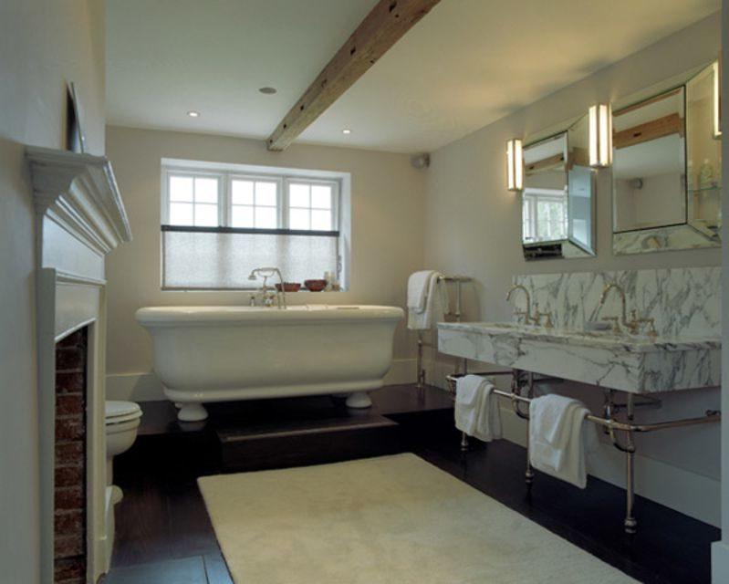 15 Wood Bathroom Floors That Wow