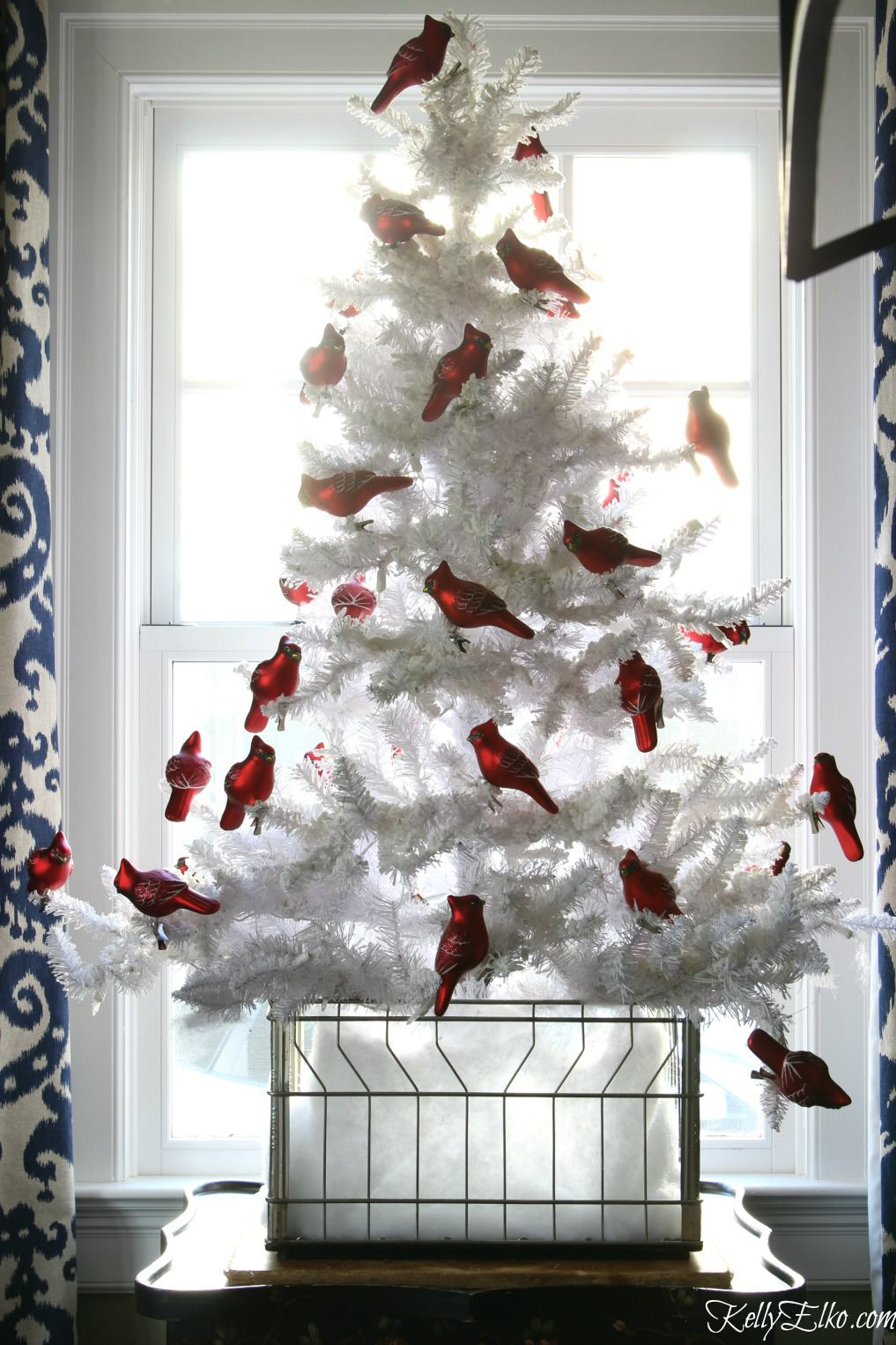 flocked white christmas tree red cardinals e fbd jpg 1017x1526 flocked christmas tree decorating ideas plaid - Flocked Christmas Tree Decorating Ideas