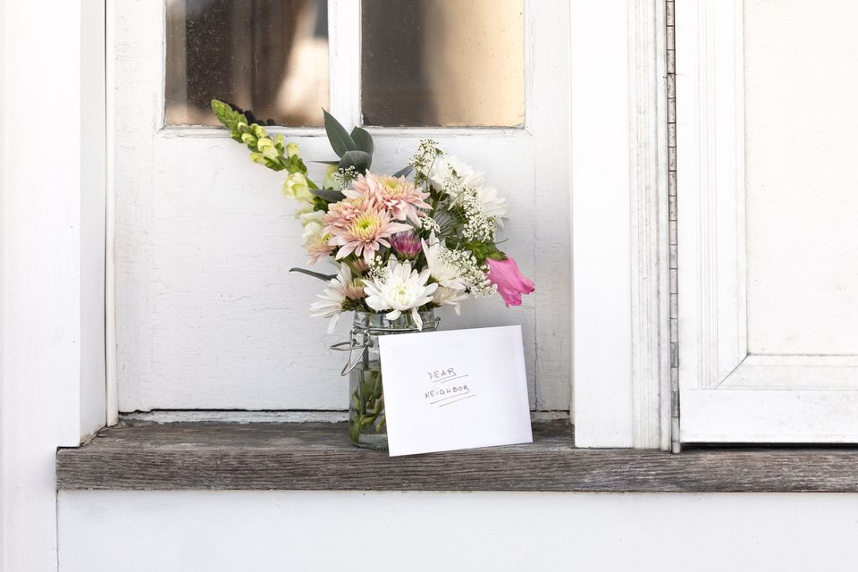 welcome note and flowers for neighbors