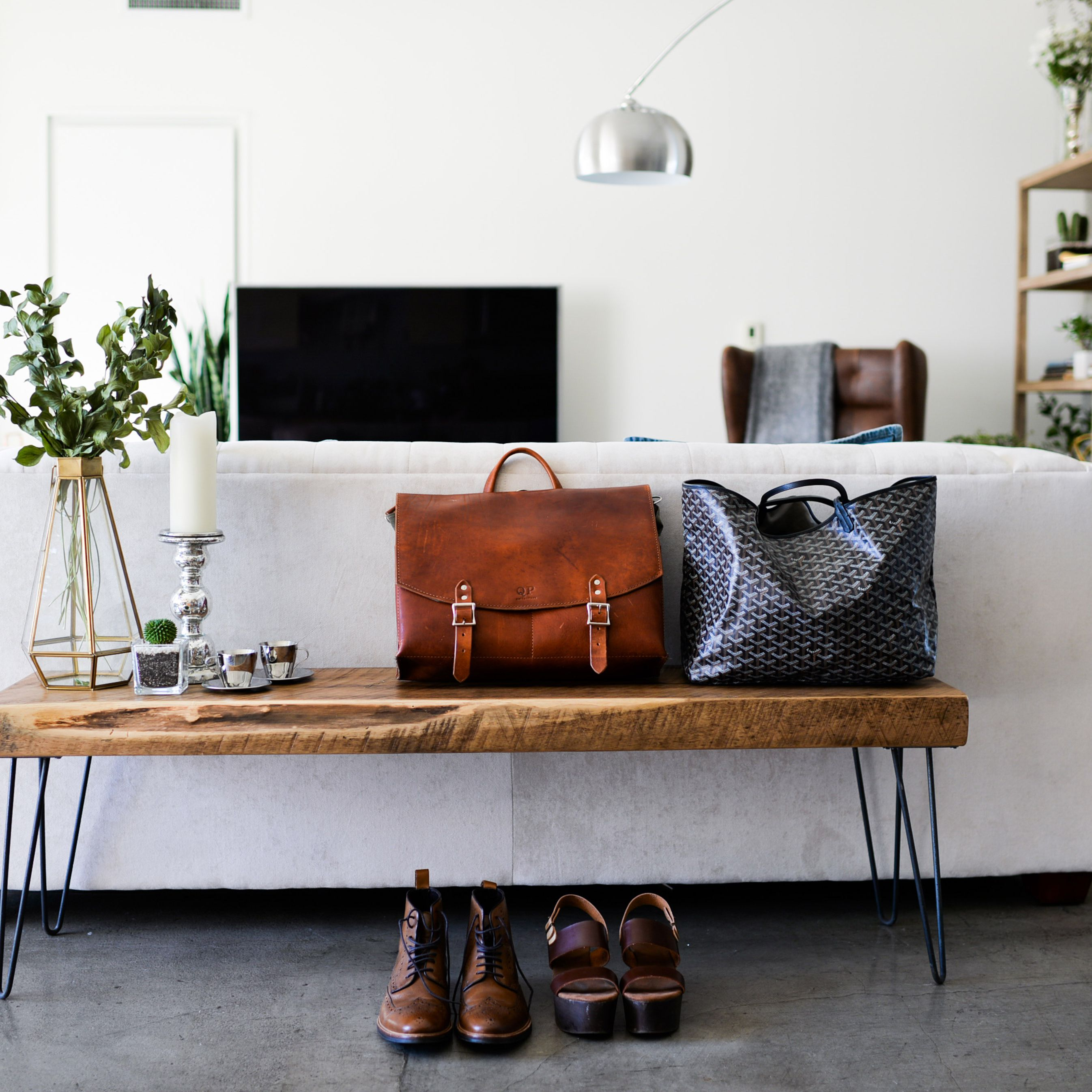Picture of: 20 Looks To Make Your Small Entryway More Stylish